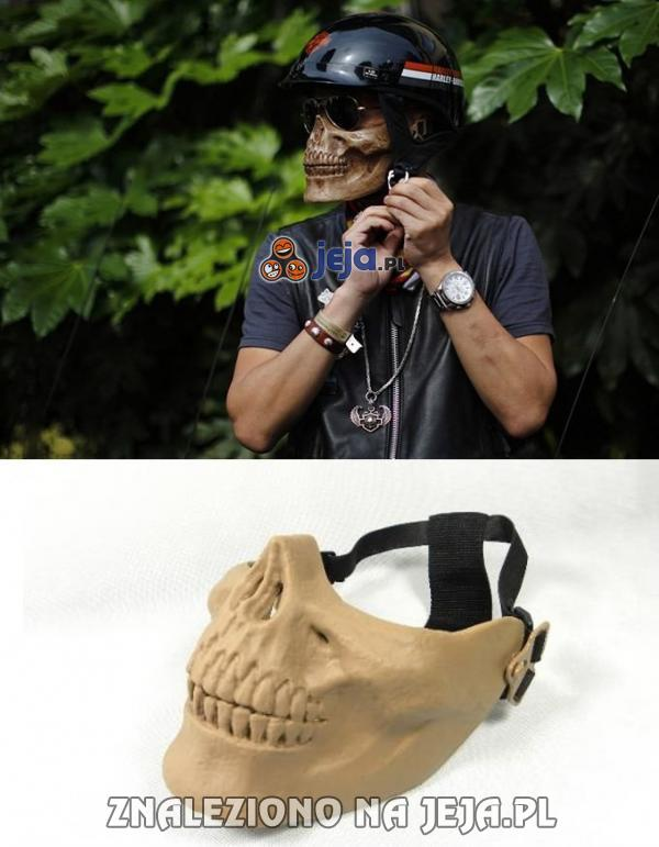 Upiorna maska motocyklisty
