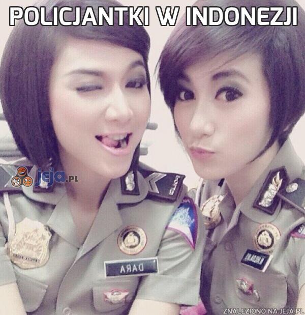 Policjantki w Indonezji
