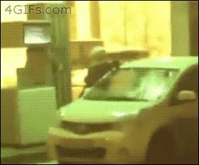 Nie ma to jak umyć samochód benzyną