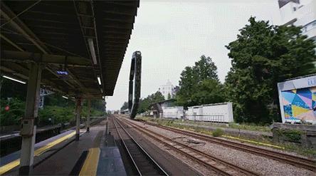 Jedzie pociąg z daleka, na nikogo nie czeka