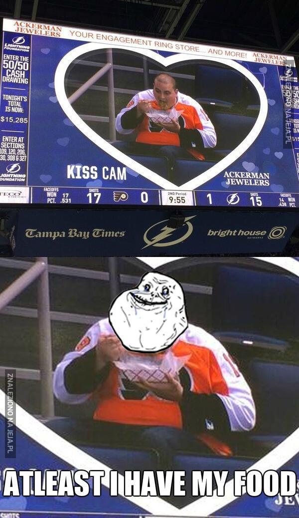 No, pocałujcie się!