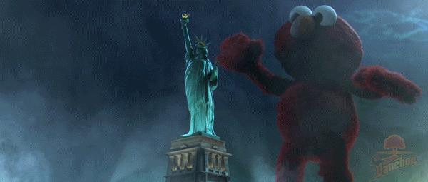 Elmo atakuje