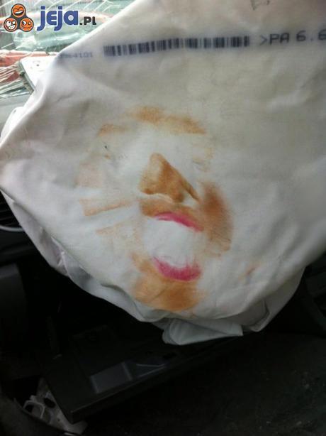 Ofiara wypadku nadużywała makijażu