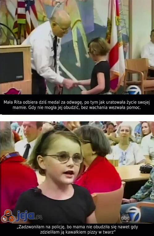 Dziewczynka odznaczona za uratowanie mamie życia