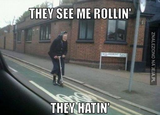 Gdzie babcia tak pędzi?