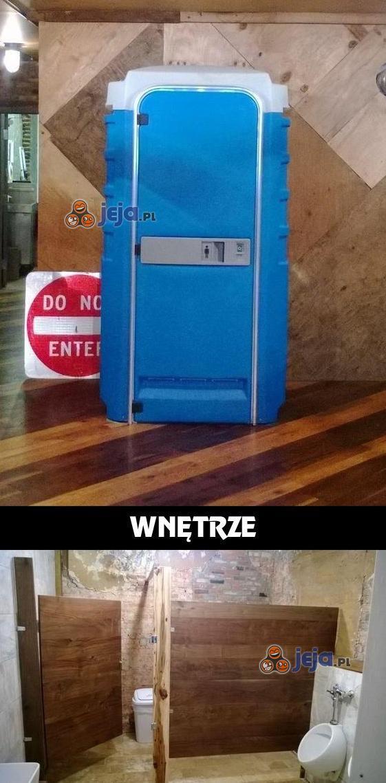 Niepozorne wejście do toalety
