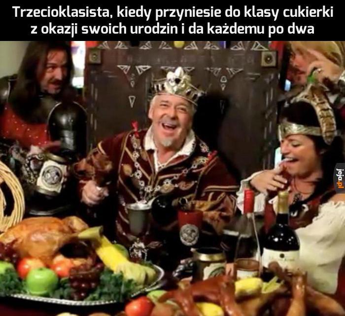 Wasz król obdarował Was hojnym poczęstunkiem!