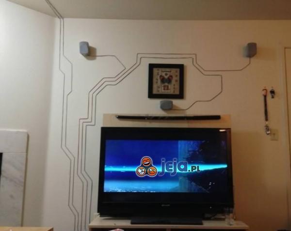 Jak efektownie ułożyć kable od głośników