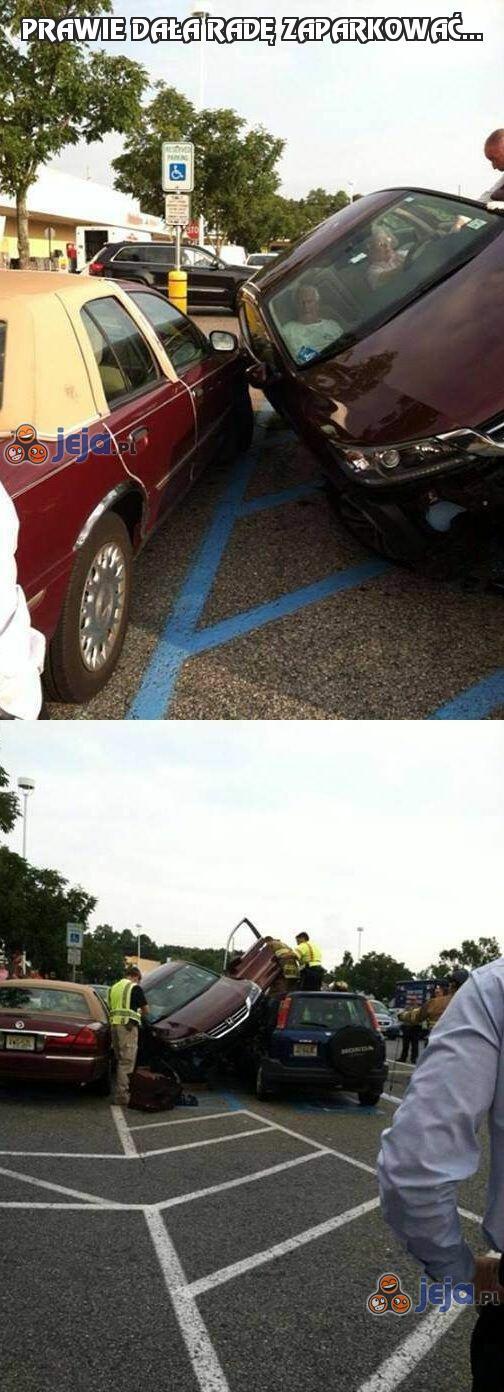 Prawie dała radę zaparkować...