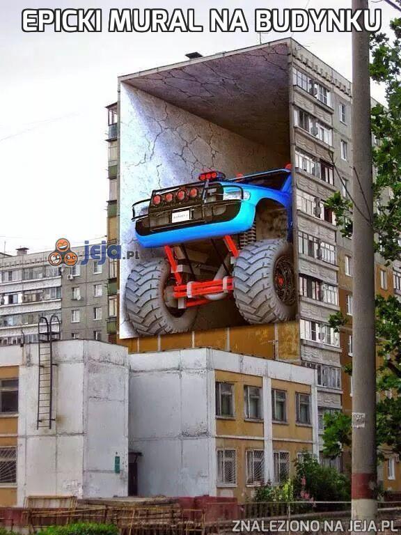 Epicki mural na budynku