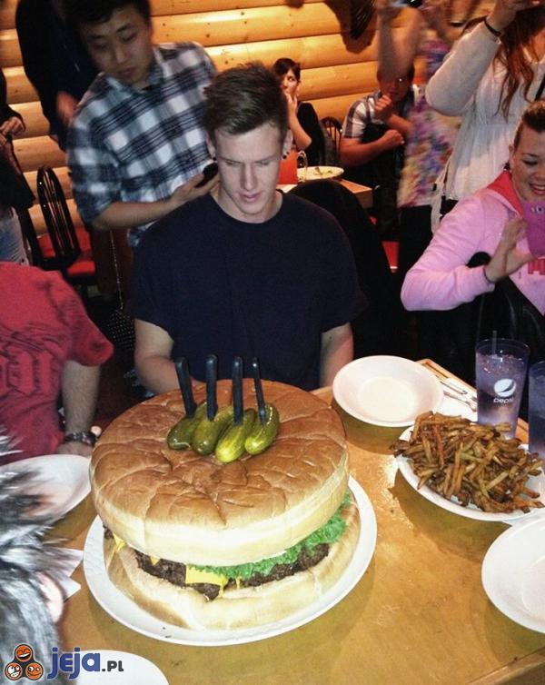 Urodzinowy burger