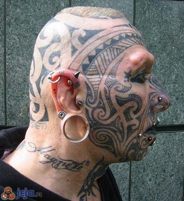 Tatuaże i kolczyki