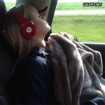 Gdy ktoś zaśnie ze słuchawkami