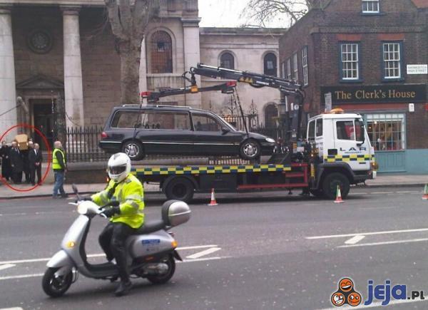 Zakaz parkowania - rzecz święta