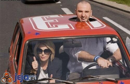 Marcin Gortat za kierownicą