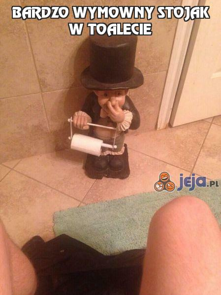 Bardzo wymowny stojak w toalecie