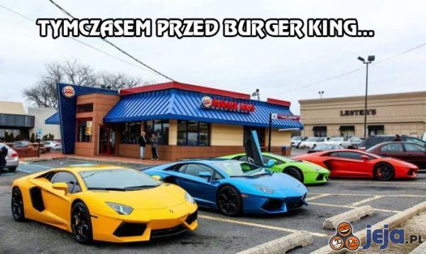 Tymczasem przed Burger King