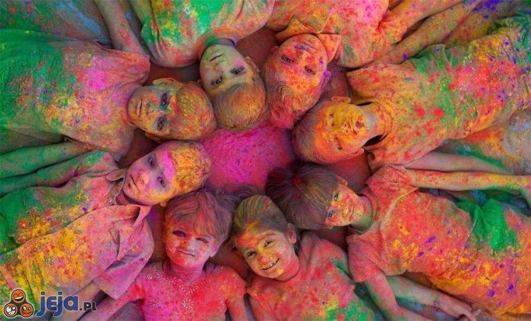 Dzieci po paintballu