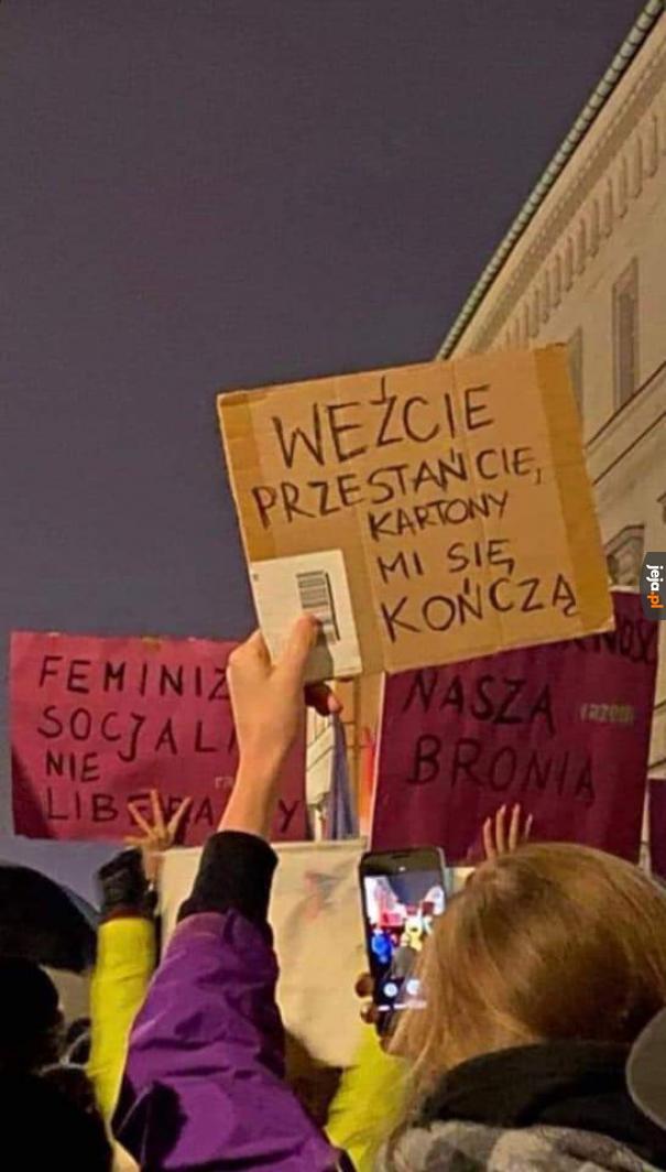 Protesty słabną