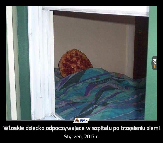 Włoskie dziecko odpoczywające w szpitalu po trzęsieniu ziemi