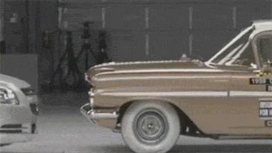 Testy zderzeniowe auta z 2009 i 1959 roku