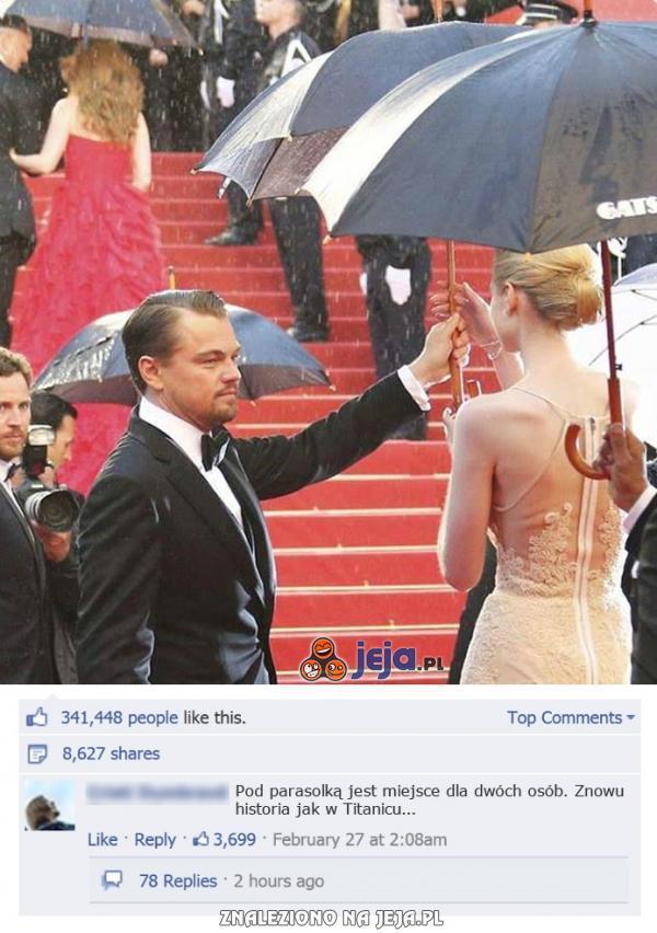 Leonardo DiCaprio z parasolką na rozdaniu Oskarów