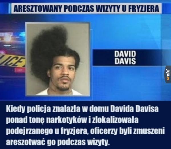 Oryginalny powód krzykliwej fryzury