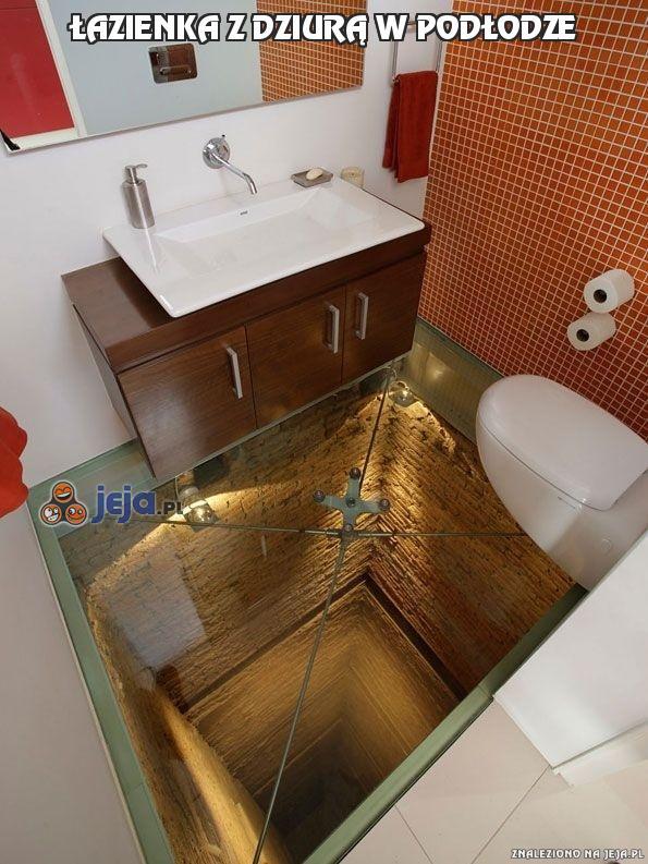 Łazienka z dziurą w podłodze