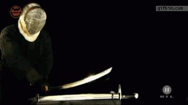 Katana kontra miecz