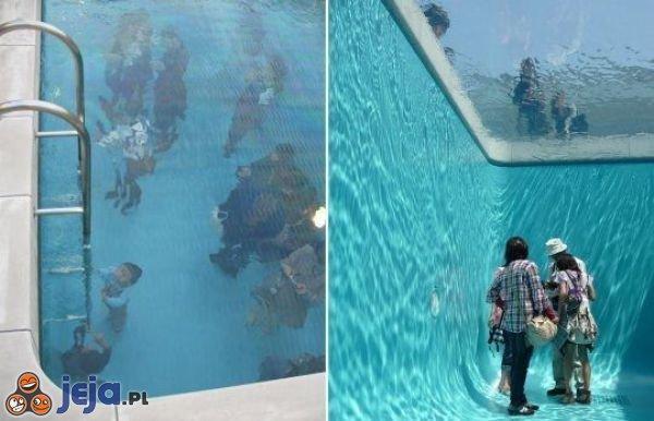 Raz pod wodą, a raz nad