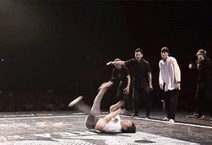 Gdy tańczysz breakdance i nagle robi Ci się gorąco