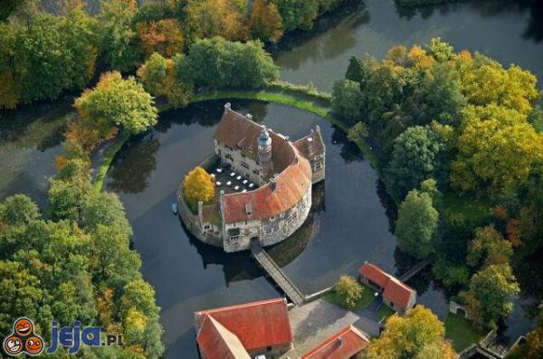 Zamek na wodzie