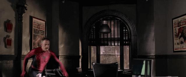 J. J. Jameson w stroju Spidermana