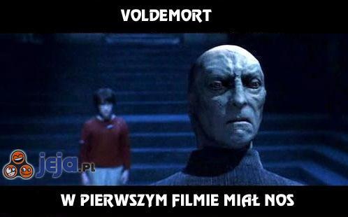 Voldemort w pierwszym filmie miał nos