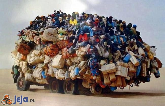 Ciężarówka z ludźmi