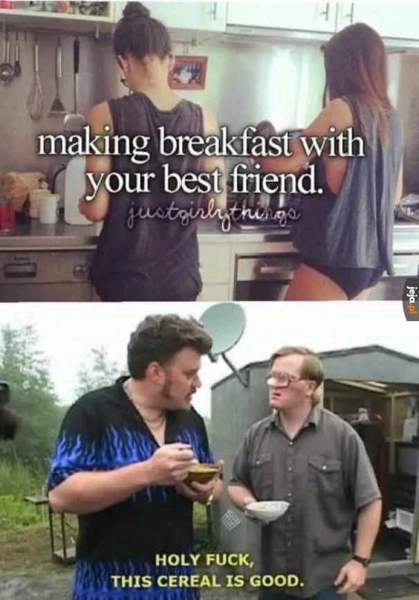 Robienie śniadania z przyjacielem
