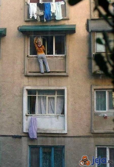 Alpinistyczne mycie okien