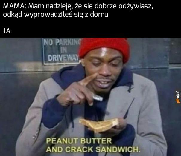 Kanapka z krakiem i masłem orzechowym