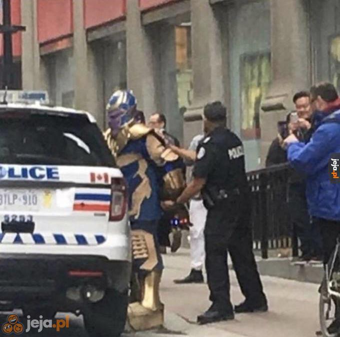 Co nie udało się Avengersom, udało się policji
