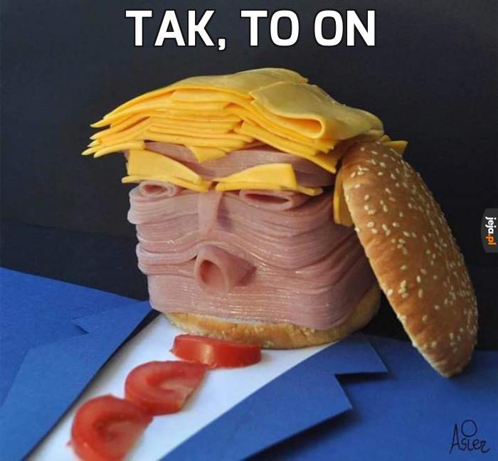 Donald Trump pozdrawia