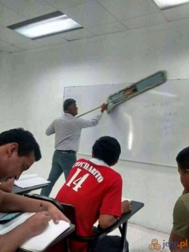Ścieranie tablicy - level pro