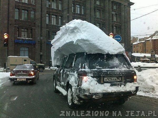 Odśnieżony samochód