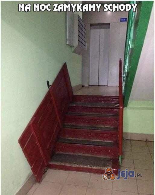 Na noc zamykamy schody