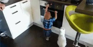 Nie dotykaj, mały człowieku!