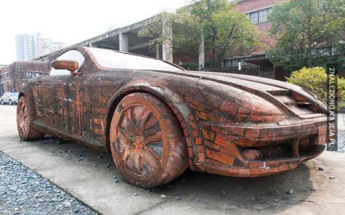 Ceglane auto zawsze spoko