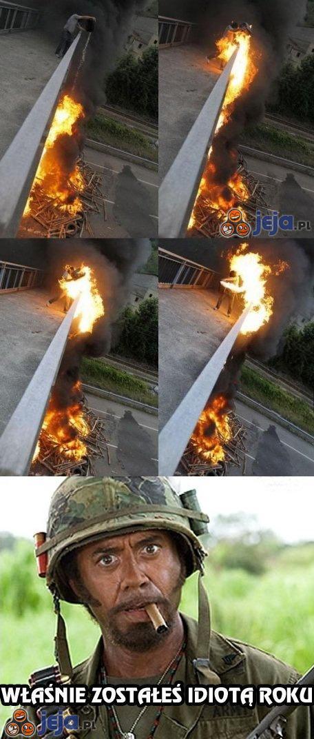 Podlewanie ognia benzyną
