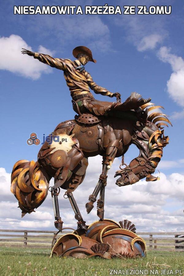 Niesamowita rzeźba ze złomu