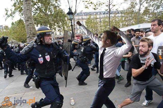 Znalezione obrazy dla zapytania obrazy rozruchy w Paryżu