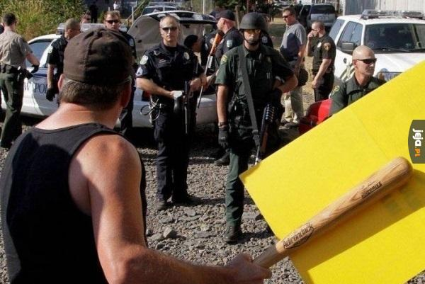 Kamuflaż na demonstrację