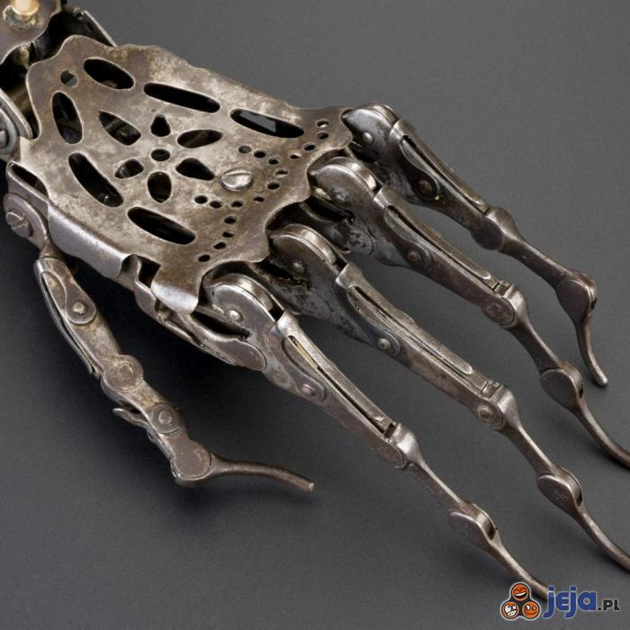 Sztuczna ręka z epoki wiktoriańskiej